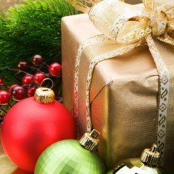 Новый год радует подарками